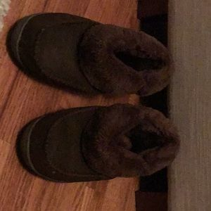 Brown suede and furry slippers 9